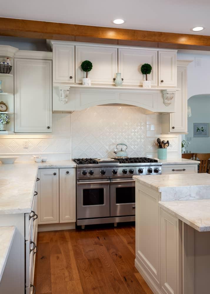 white farmhouse kitchen ideas 1