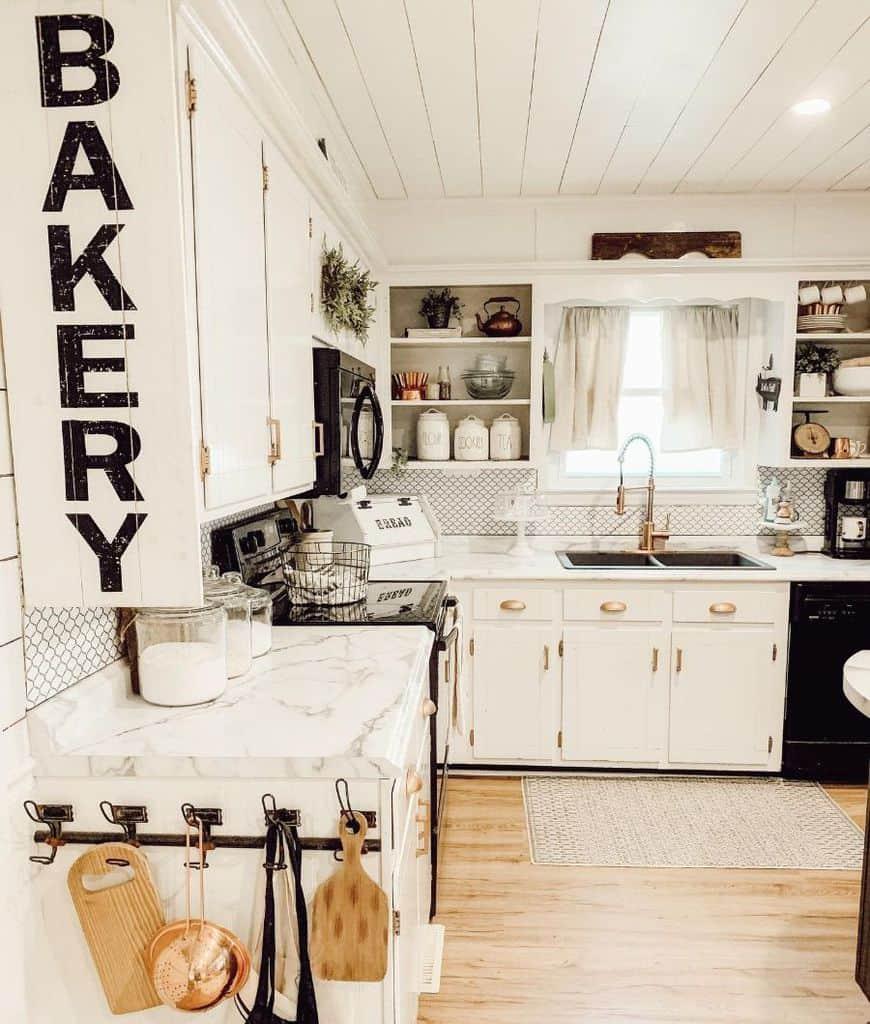 white farmhouse kitchen ideas shadyoaklane__