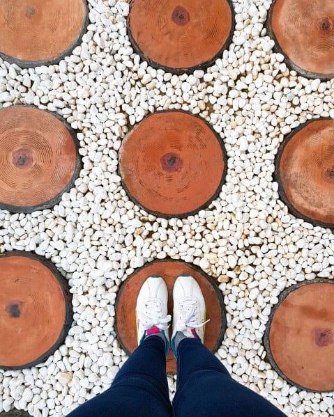 White Gravel Circle Wood Steps Ideas For Walkway Backyard