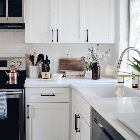 White Kitchen Cabinets Images: Top 70 Best Kitchen Cabinet Hardware Ideas