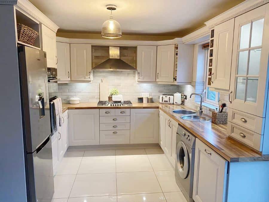 white kitchen tile ideas whereihomeandroam