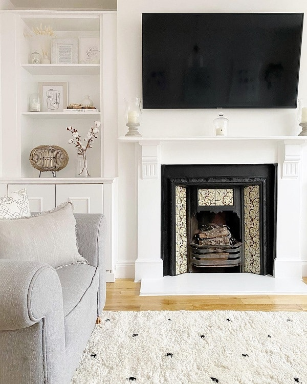 White Minimalist Mosiac Fireplace Surround Hearthomeinterior