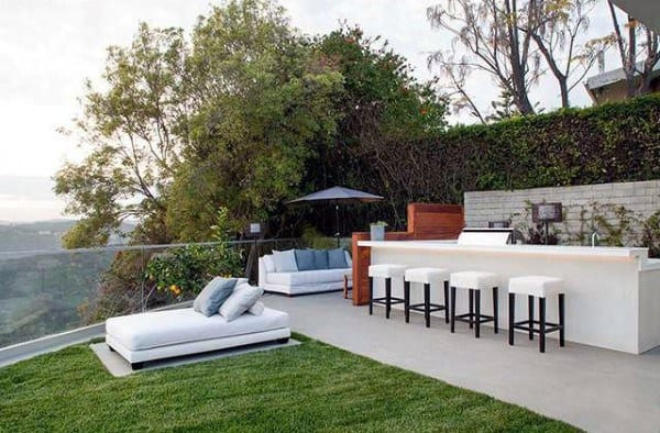 White Outdoor Bar Ideas