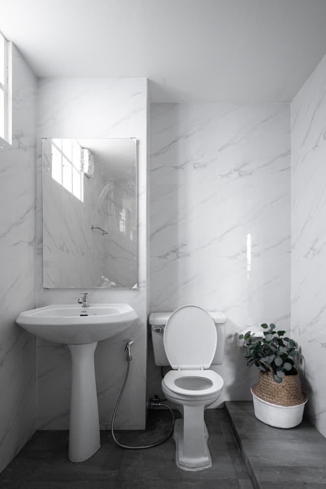 White Powder Room Ideas 3