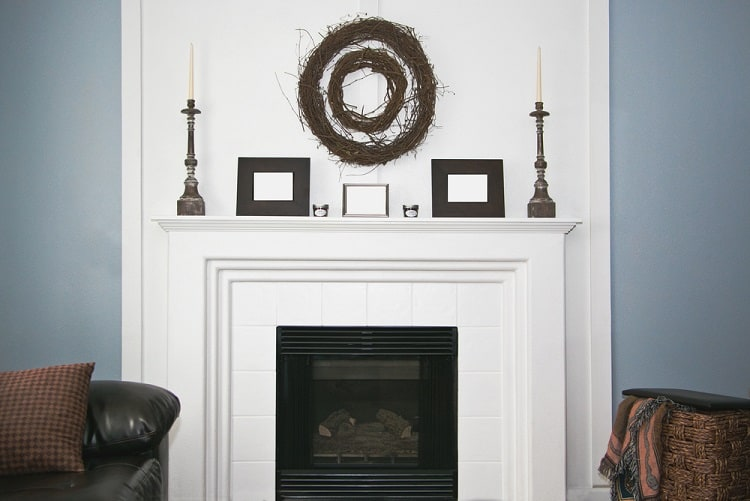White Rustic Moden Mantel Decor Ideas