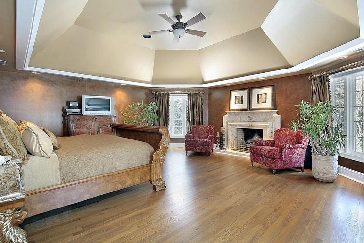 Wide Open Floor Plan Tray Ceiling