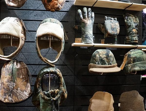 Winter Market Outdoor Retailer Gloves And Hats