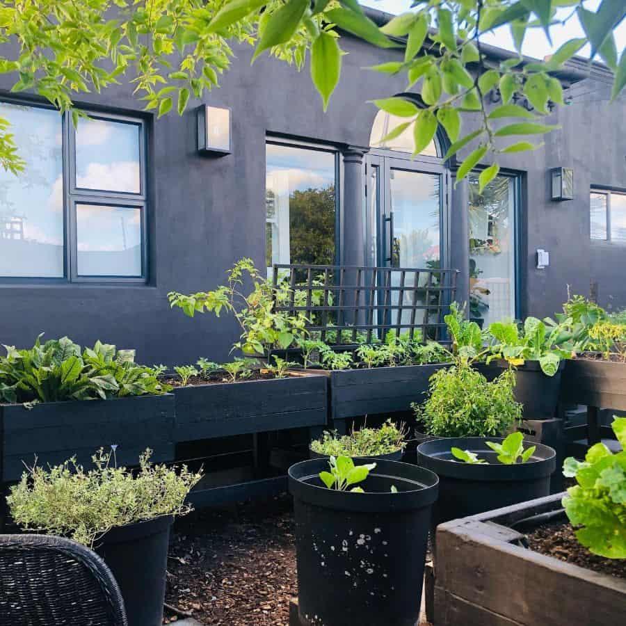 with legs raised garden bed ideas chefymum
