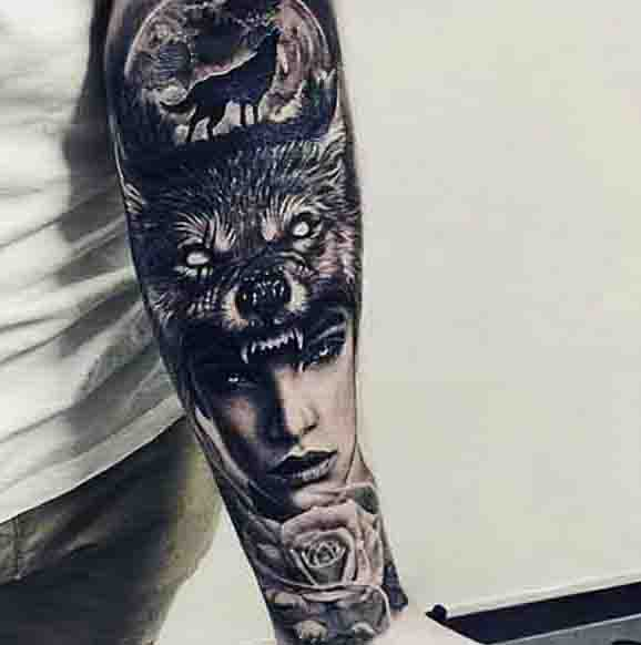 Wolf Howling At The Moon Tattoo For Males