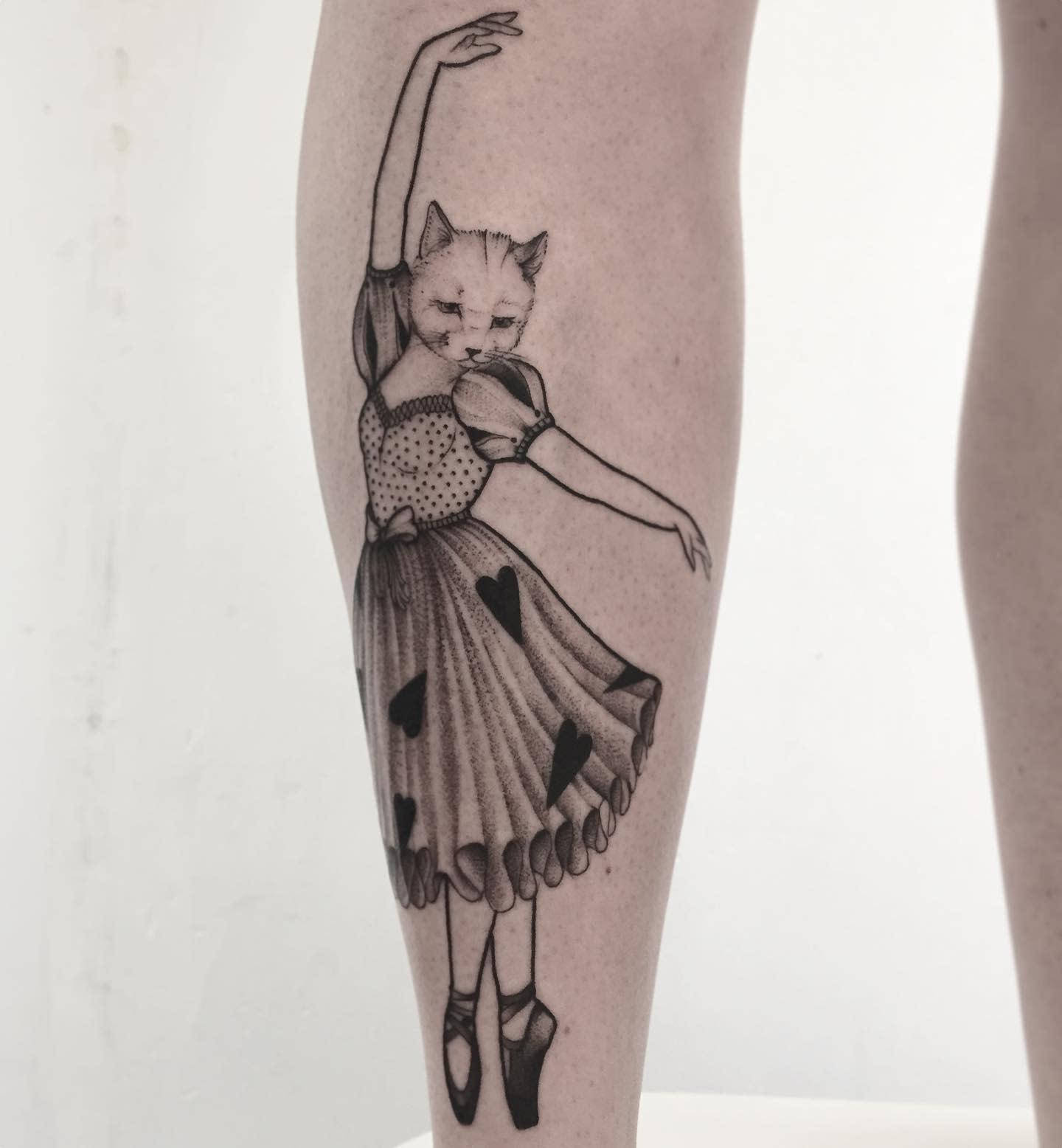 Woman Cute Tattoo Lesmorganismes