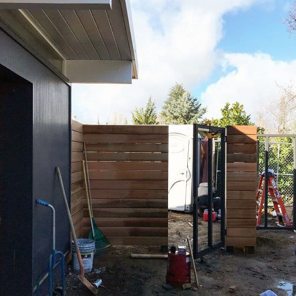 Wood Design Ideas For Modern Fence With Metal Gate