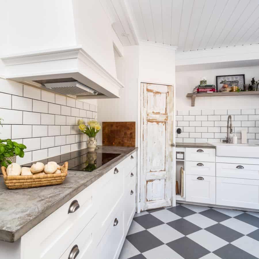 Wood Or Shiplap Ceiling Modern Farmhouse Kitchen 1