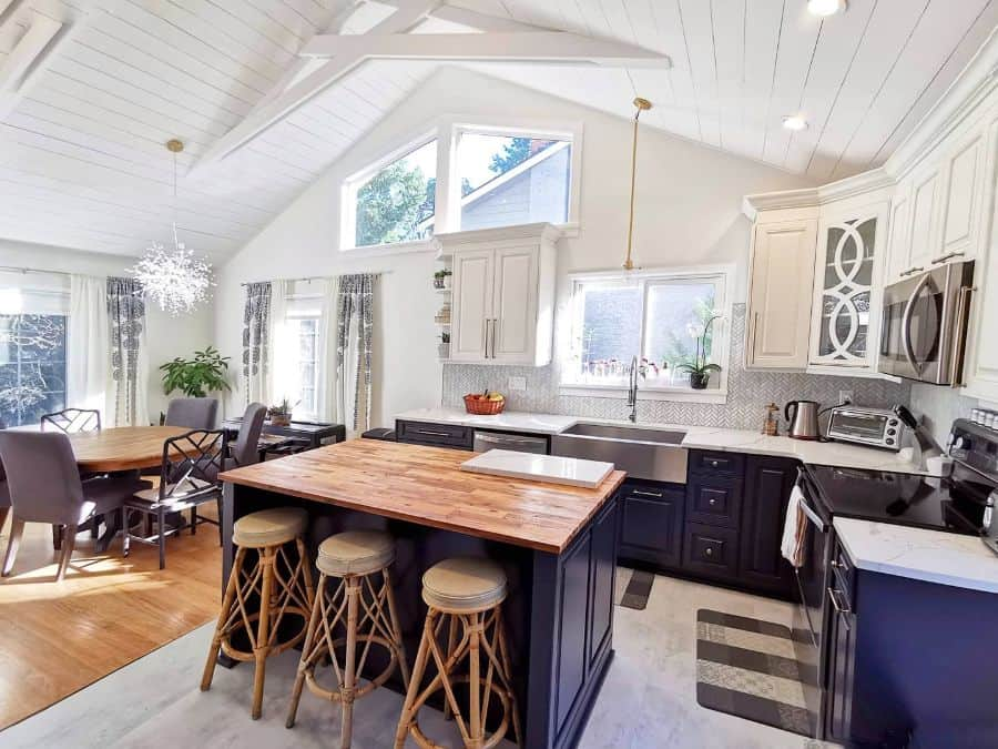 Wood Or Shiplap Ceiling Modern Farmhouse Kitchen Emakowichuk