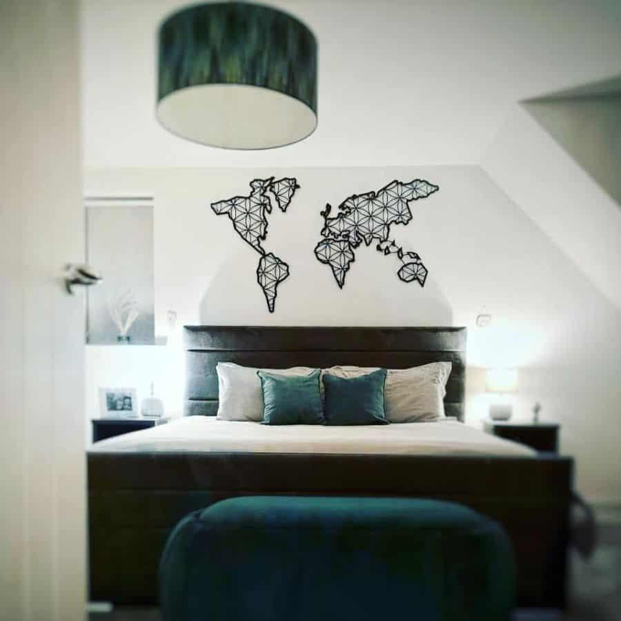 Wooden And Metal Bedroom Wall Decor Ideas Throughdoor19
