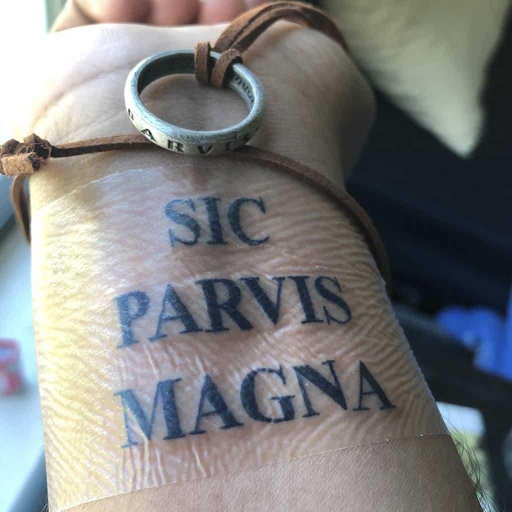 Wrist Sic Parvis Magna Tattoos D Rez 3739 2