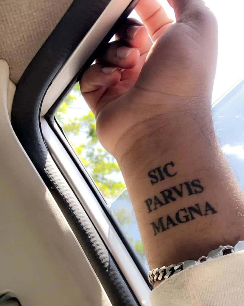 Wrist Sic Parvis Magna Tattoos D Rez 3739